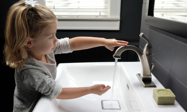 Single Handle Bathroom Faucet with Touch<sub>2</sub>O.xt® Technology, image 8