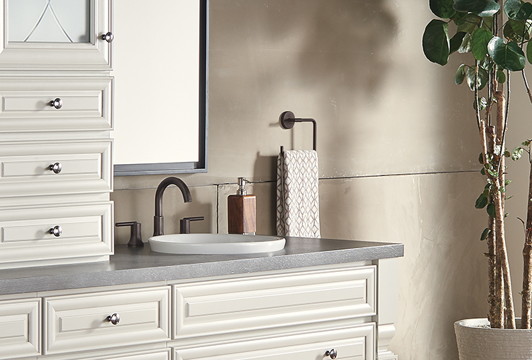 Bathroom faucet styles and finishes: Venetian Bronze