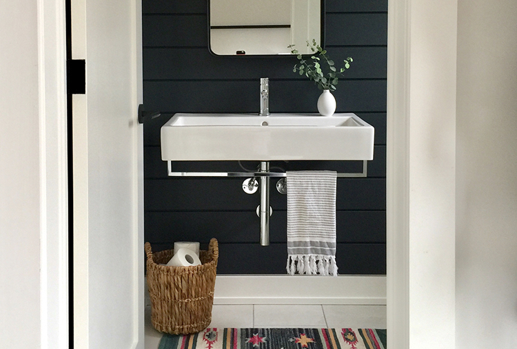 Small-bathroom design ideas: Declutter and admire how big the space feels