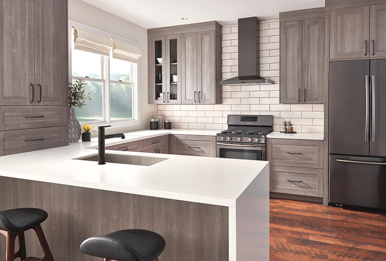 Kitchen Trends: Mixing Materials & Monochromatic Colors