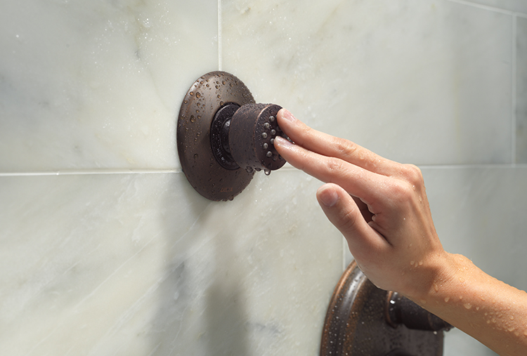 Cleaning Shower Heads: How to Clean Bath Fixtures