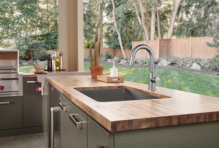 Kitchen Sink Trends Sink Styles On The Rise In 2017 Delta Faucet Inspired Living